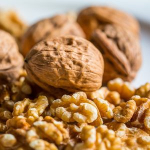 picture of shelled fresh walnuts